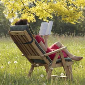 woman-reading-book-275px