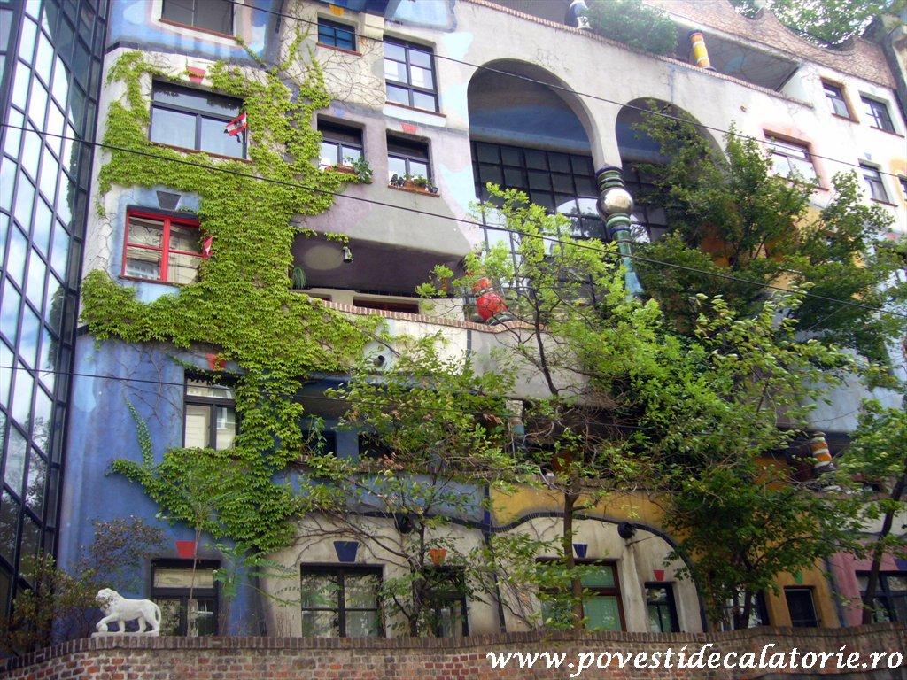 Hundertwasser house Viena (19)