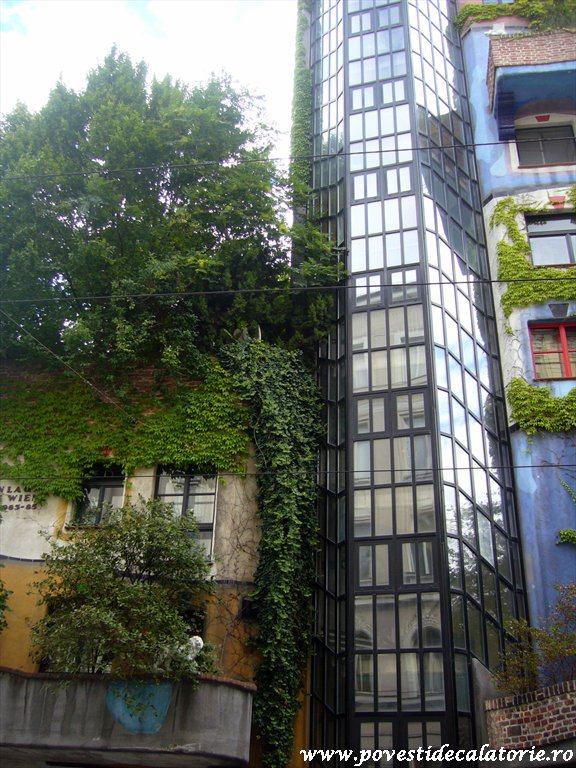 Hundertwasser house Viena (22)