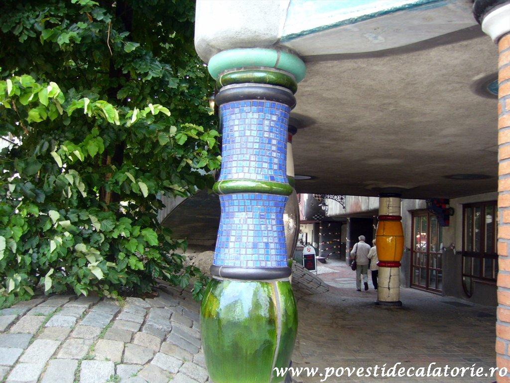 Hundertwasser house Viena (24)