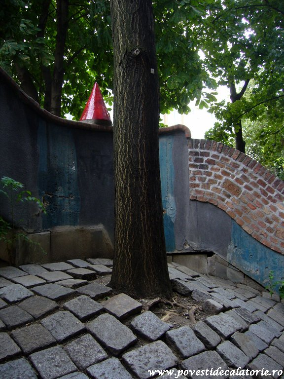 Hundertwasser house Viena (25)