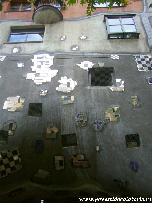 Hundertwasser house Viena (28)