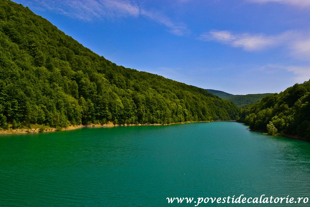 Valea Doftanei Atra (2)