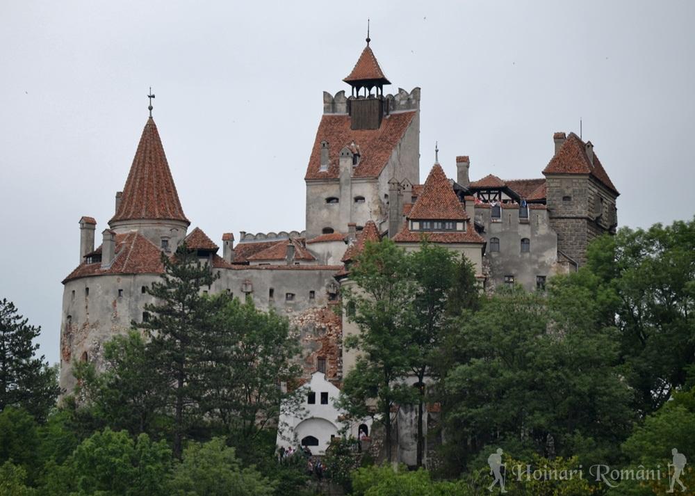 Castelul bran-vedere de pe drumul vamii