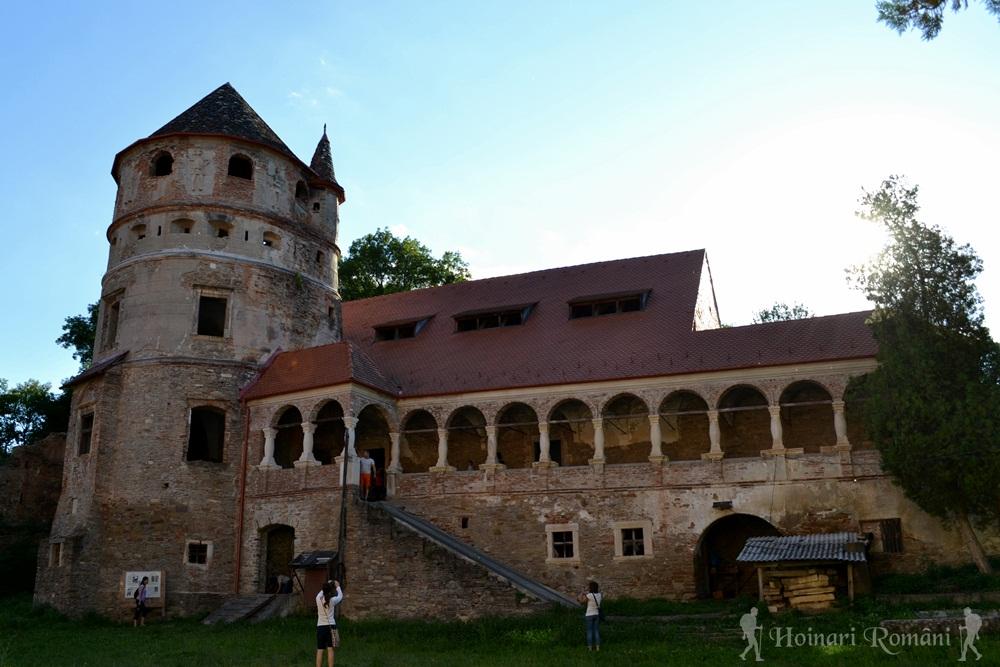 castelul bethlen cris-la 18 km de sighisoara
