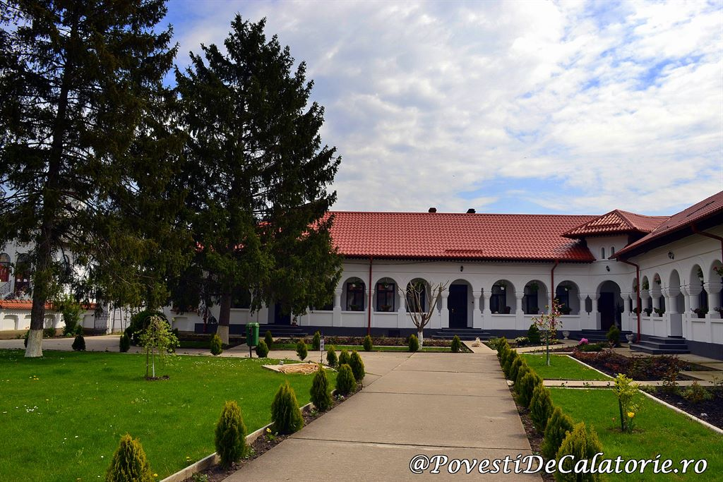Manastirea Ghigiu (27)