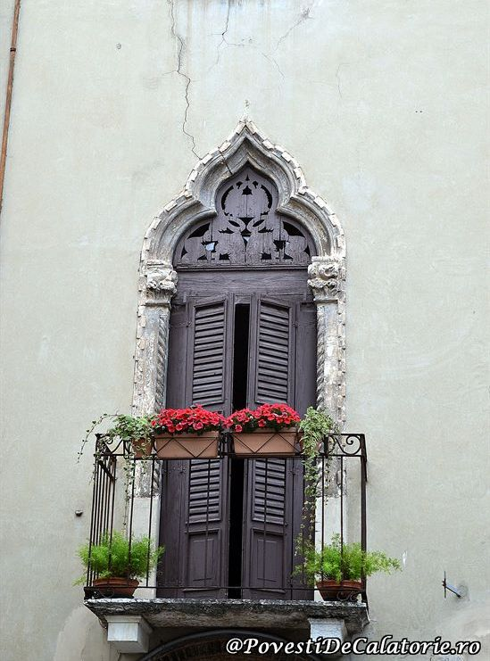 Verona (255)
