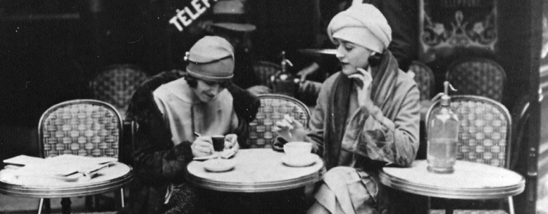 vintage-paris-ladies-coffee-shop1