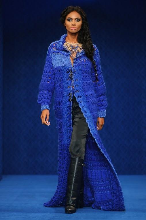 Liza Panait - Albastru de Voronet 02