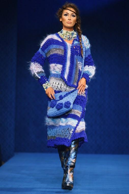 Liza Panait - Albastru de Voronet 05