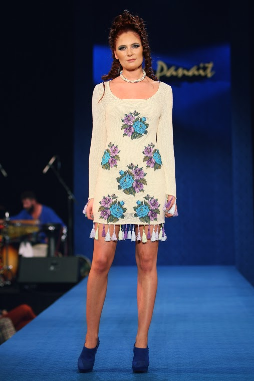 Liza Panait - Albastru de Voronet 128