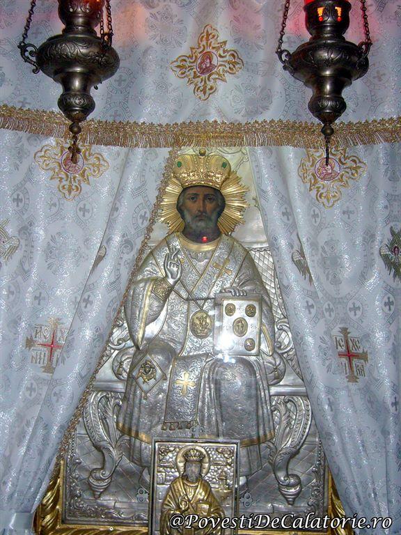 Biserica Sfantul Domnesc Neamt (15)