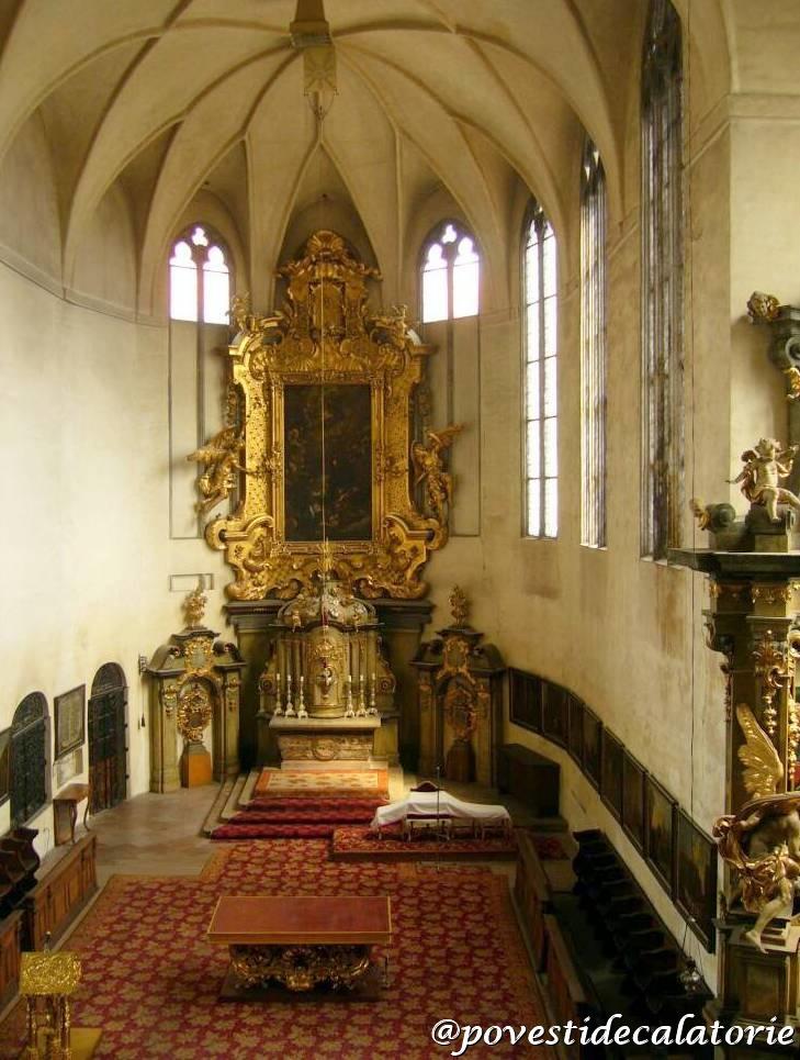 Castelul Praga Vechiul Palat Regal Biserica tuturor Sfintilor