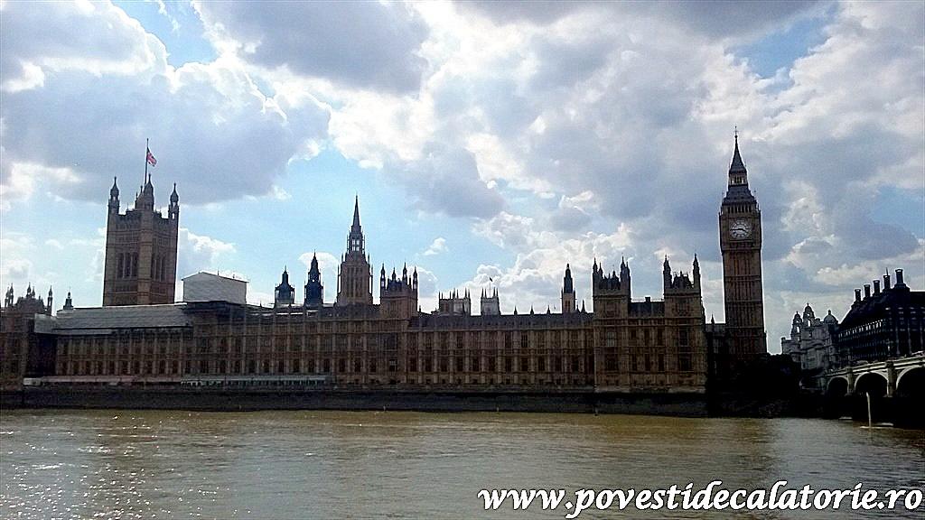 London 7 (372)