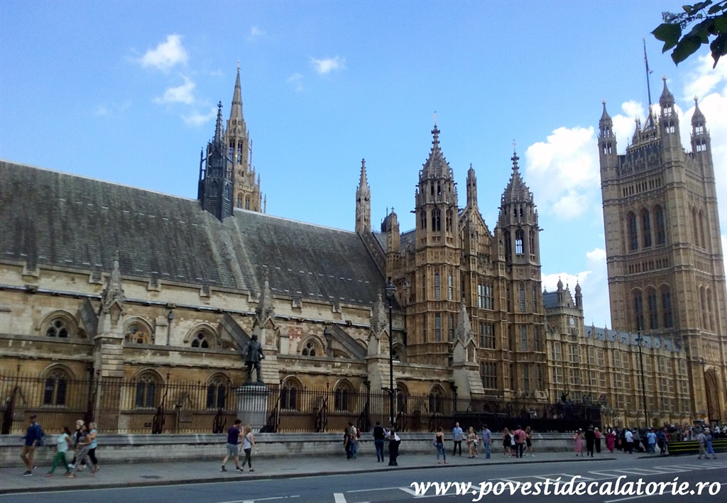 London 7 (407